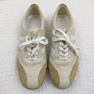 Ecco tennis shoes size 7
